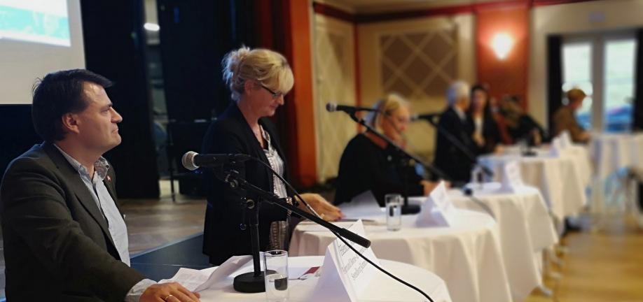 Panel-debat